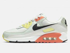 Nike Air Max 90 Women's Shoes (9000043755_43003)